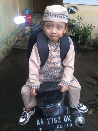 Bilal ready to school