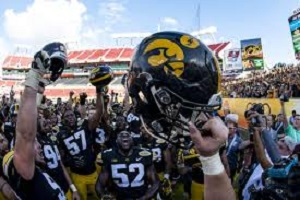 Iowa beats Miss. St 27-22 to take Outback Bowl