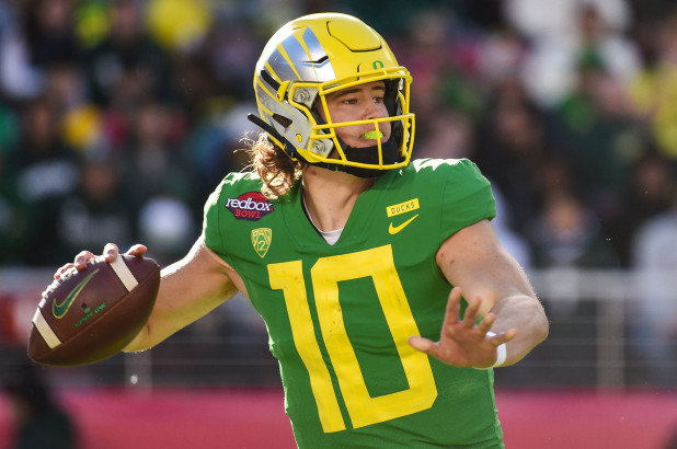 Pac 12 Football and What to Expect This Coming Season