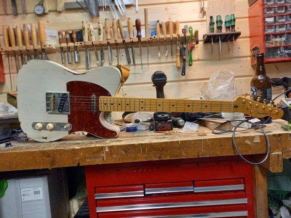 Custom Fender relic guitar builders