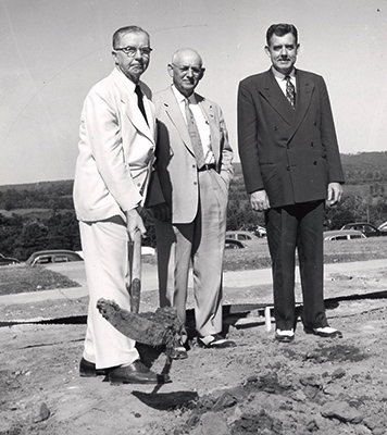 Groundbreaking for Administration Building_blogstory