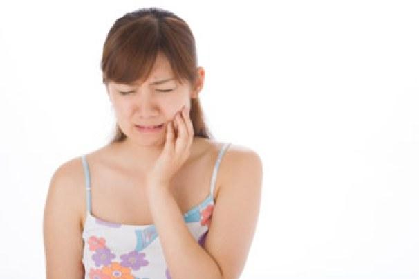 nhổ răng khôn ở nha khoa quốc tế Á Châu