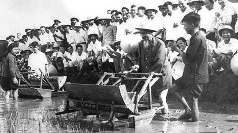 Xuyên tạc lịch sử, bôi nhọ Hồ Chí Minh: tội ác này đáng tử hình