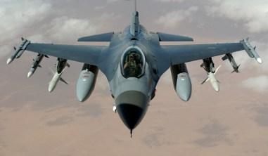 F-16 trên bầu trời Iraq, thuộc phi đoàn 35 đóng ở Misawa, Nhật Bản.