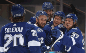 Tampa Bay Lightning em partida contra o Boston Bruins