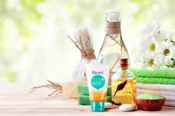 Sữa rửa mặt : Bioré Pore Detox Hot Clear Gel