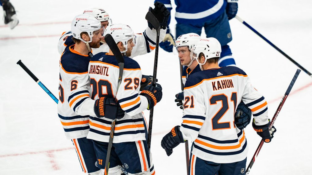 Oilers show they can win ugly against Maple Leafs