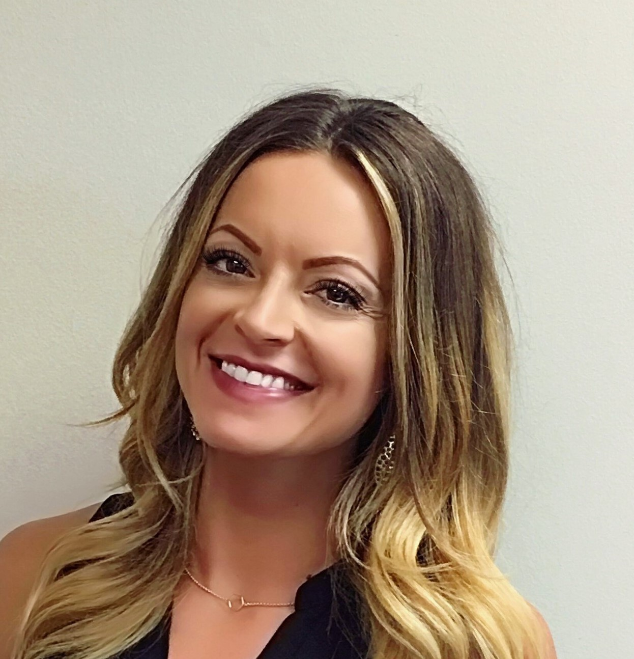 NHS Solutions hires Vee Glowczynski as Sales Support Specialist