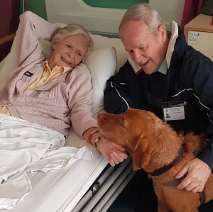 MAIN Therapet delights patients at Ninewells (4)