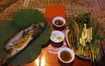 Cá lóc nướng trui và lá sen
