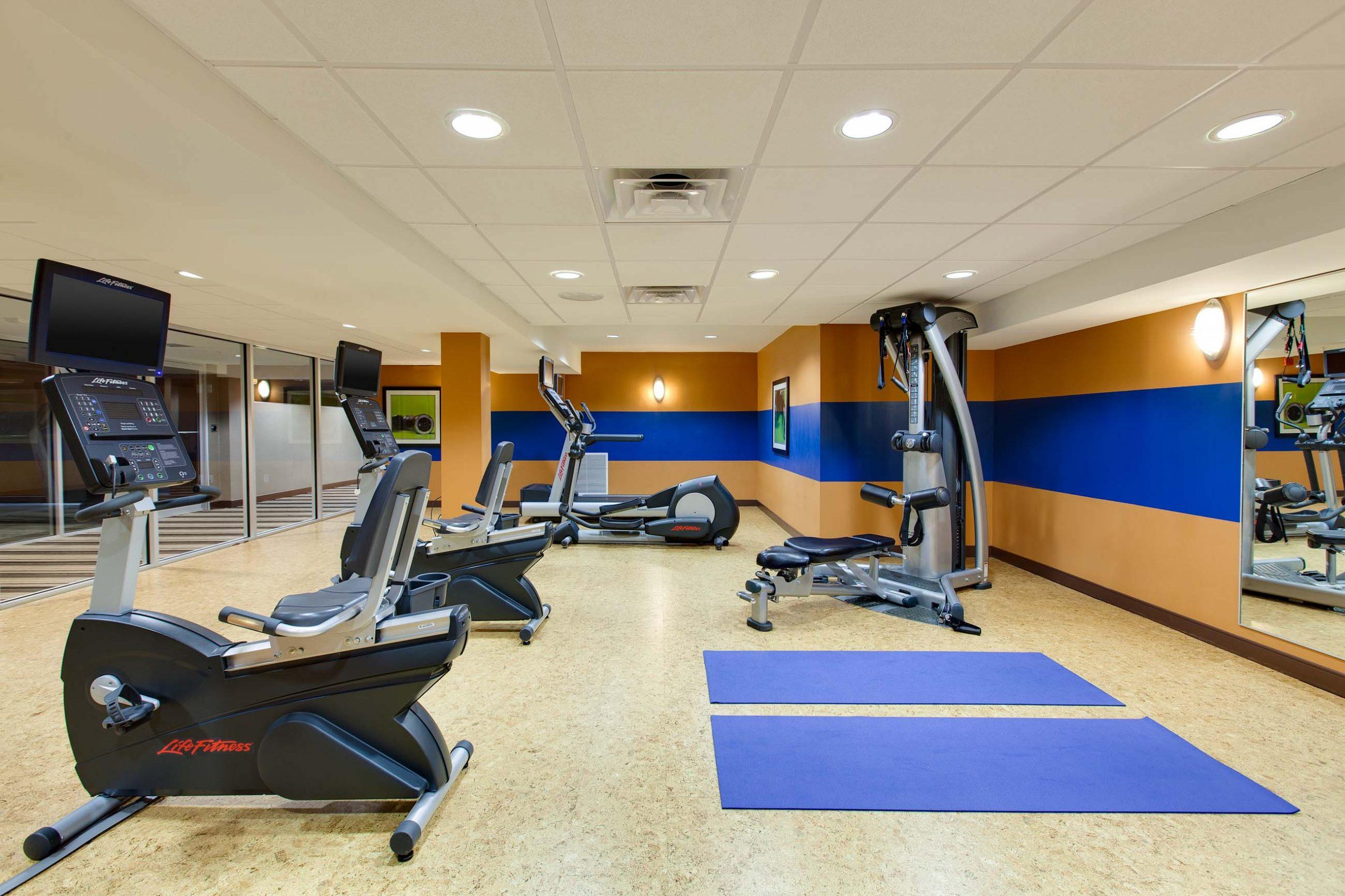 Niagara Riverside Resort - Fitness Center