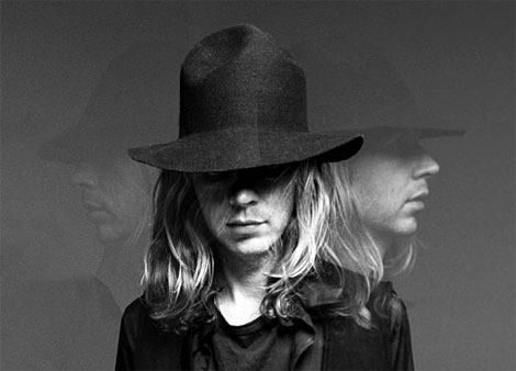 , Beck – Nausea (XXXChange remix)