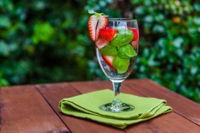 strawberry-basil-water