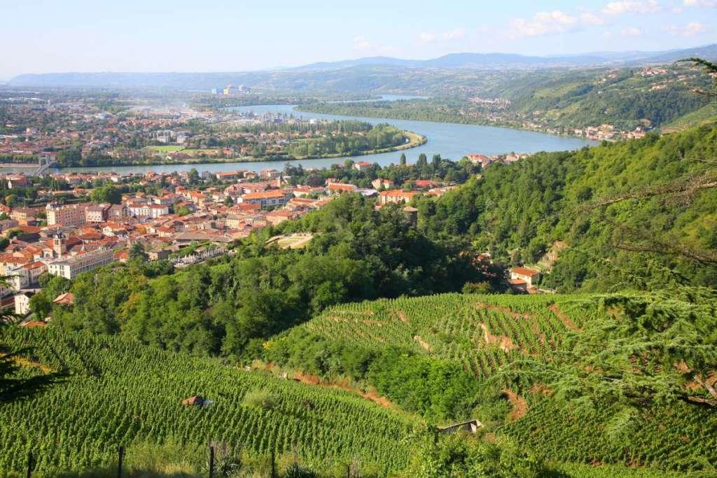 Vue sur la Vallée du Rhône, le sud arrive.