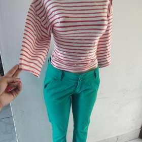 Blusa y pantalón de mujer