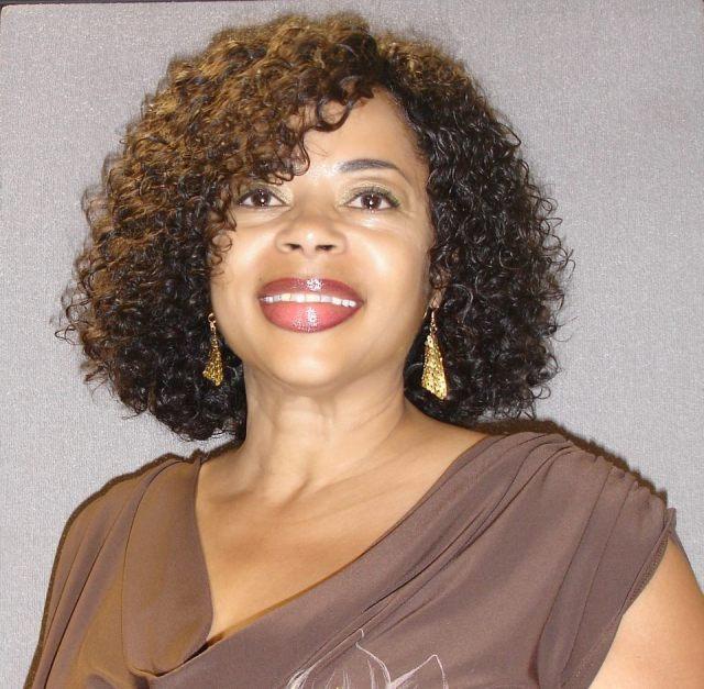 9 wonderful short curly weave hair : woman fashion