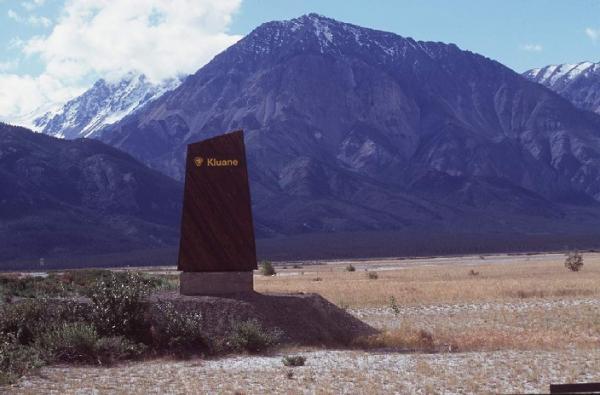 Entrance to Kluane National Park, 1995. Photo © Parks Canada/J. Butterill