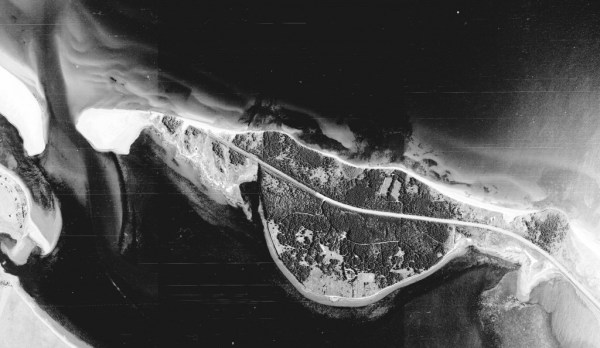 Aerial photo of Robinsons Island, 2000