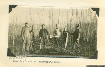 Clearing the land north of Prince Albert, c. 1920s. Source: Saskatchewan Settlement Experience R-A32676