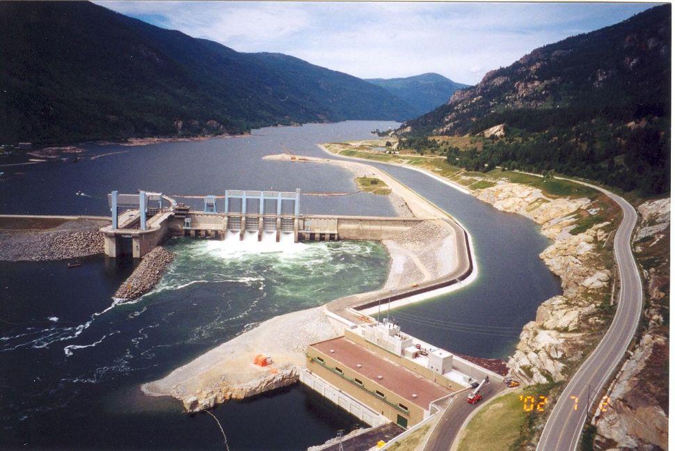 Keenleyside Dam in BC