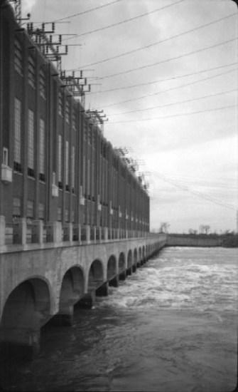 Centrale_de_Beauharnois_-_1941