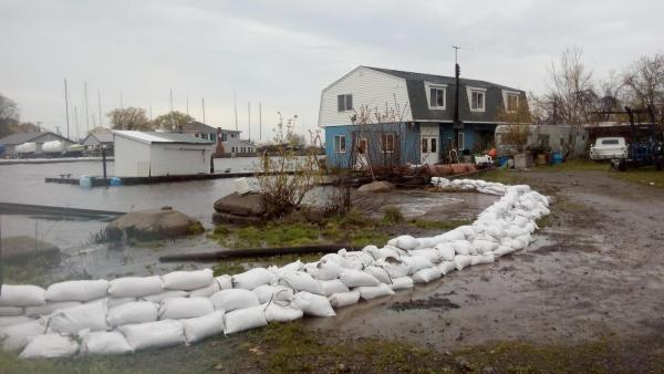 sandbags_in_olcott050217