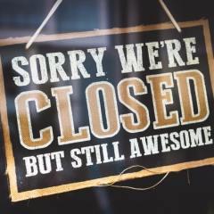 Upbeat Closed Sign