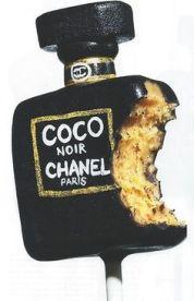 Chanel inspired Cake Pops
