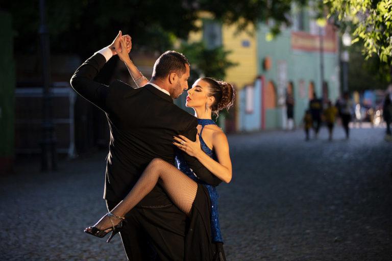 tango dancers la boca
