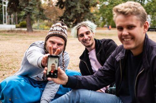 Die Jungs im Park