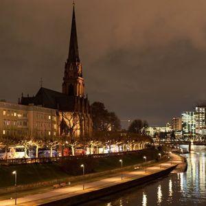 Frankfurt am Abend #dreikönigskirche #main #skyline