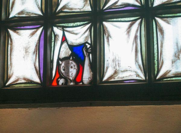 Ein kleines Teufelchen lauert (nicht nur) in der Sakristei