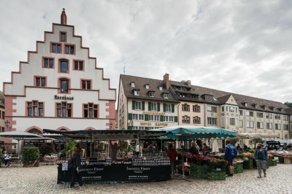 Münsterplatz mit dem Kornhaus