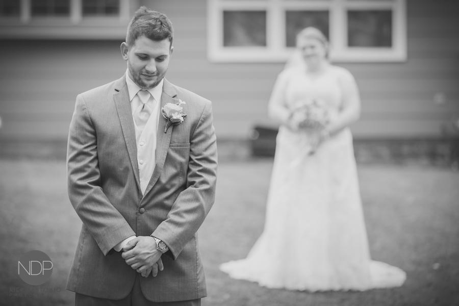 16-First Look Wedding Photos-Blog_© NDP 2015