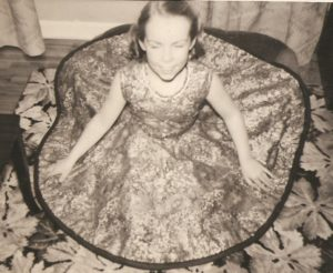 seamstress, circle skirt 001