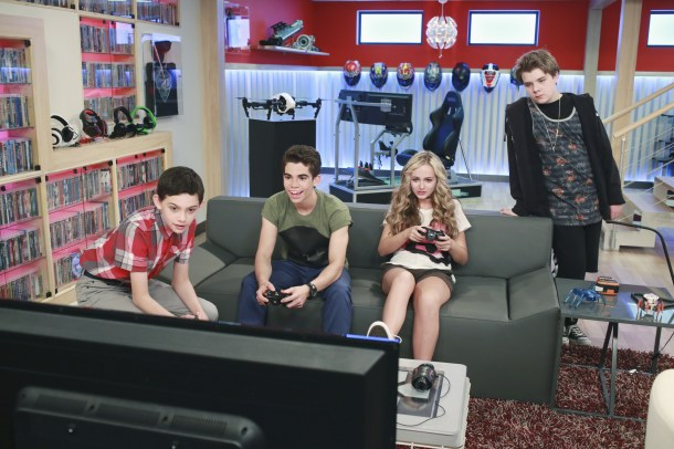 """GAMER'S GUIDE TO PRETTY MUCH EVERYTHING - """"Gamer's Guide to Pretty Much Everything"""" - Conor, 15-year-old professional video game-playing phenom, desperately wants to get his pro card back after a thumb injury forces him to retire, so he recruits new classmates Franklin, Wendell and Ashley to play the game for him. Joseph Garrett, known as Stampy Cat, the hugely popular Minecraft-playing YouTube star, makes a guest appearance as the announcer of a pro-gaming tournament. This episode of """"Gamer's Guide to Pretty Much Everything"""" will air Wednesday, July 22 (9:30 PM - 10:00 PM ET/PT), on Disney XD. (Disney XD/Ron Tom) FELIX AVITIA, CAMERON BOYCE, SOPHIE REYNOLDS, MURRAY WYATT RUNDUS"""