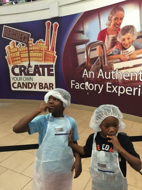 Hershey Chocolate World Create Your Own Candy Bar (3)