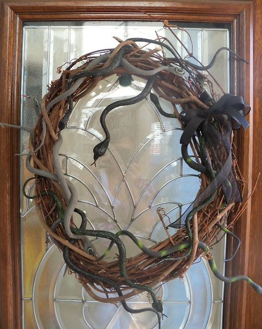 snake_wreath4