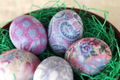 silk-dyed eggs