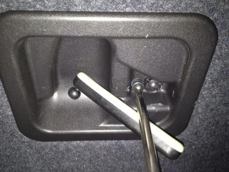 LED License Plate Bulb Install Audi A4/S4