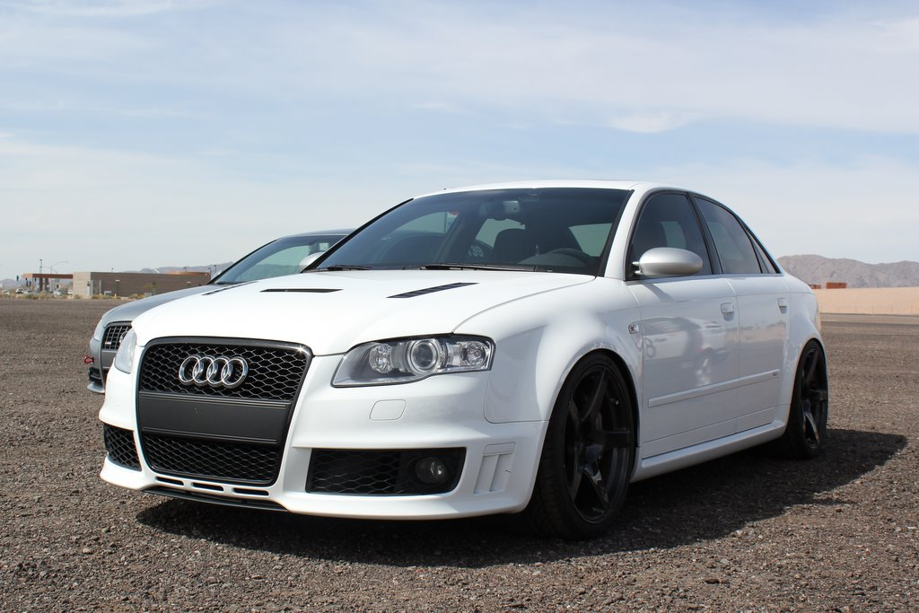 White RS4