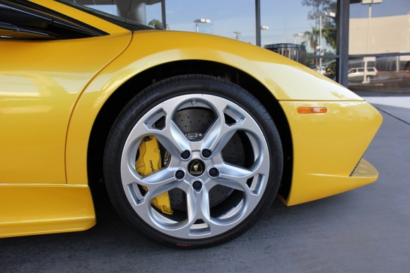 Yellow Lamborghini LP-640 Murcielago Wheels