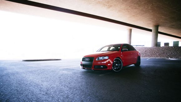 Red B7 Audi S4