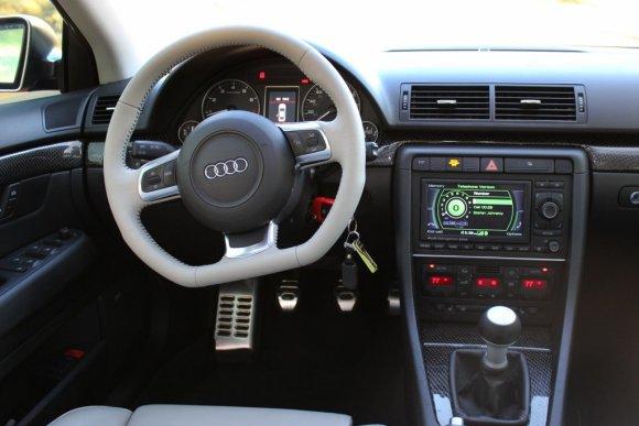Audi TT Flat Bottom Steering Wheel in B7 Audi S4