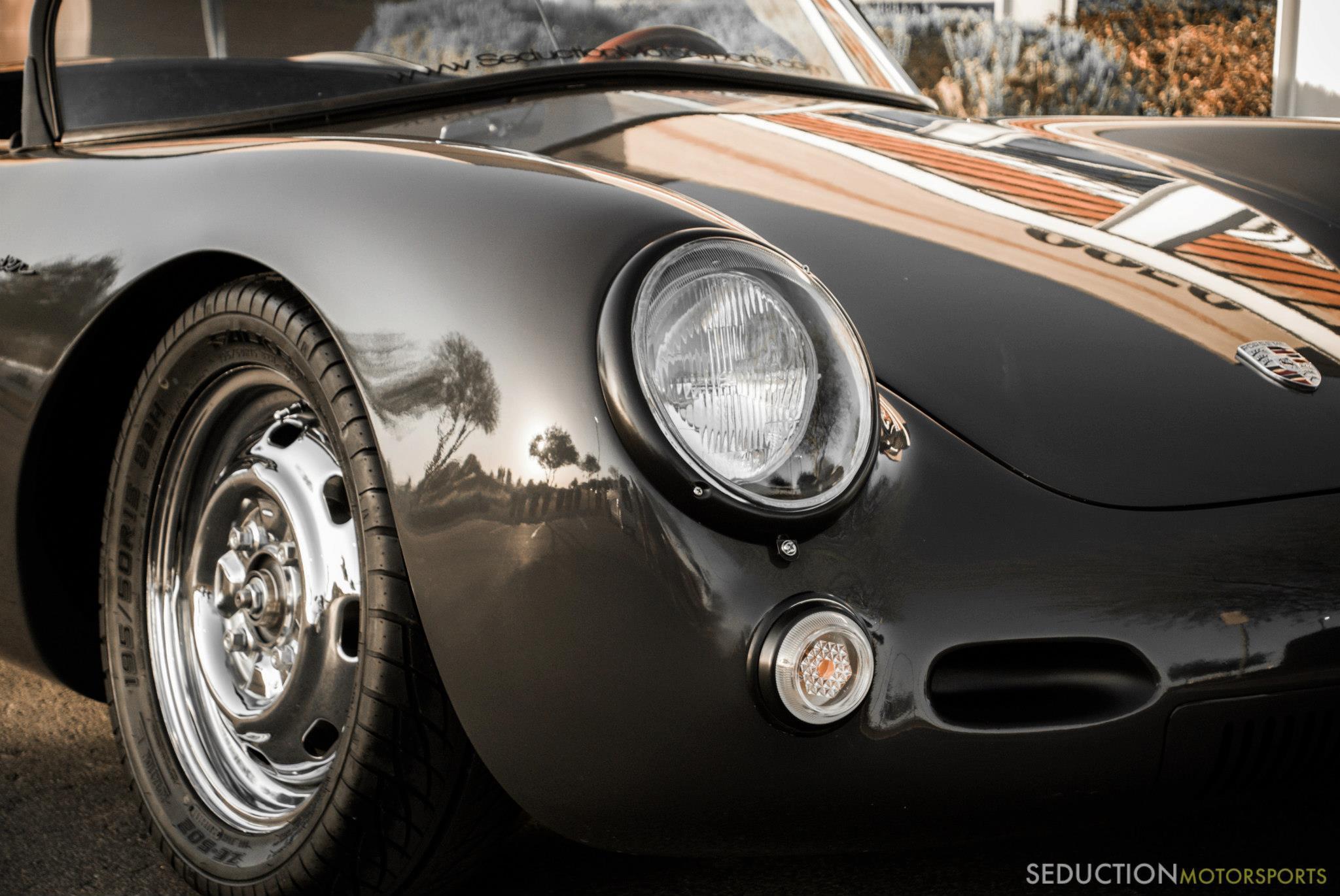 Porsche 550 Spyder Emblem Gold