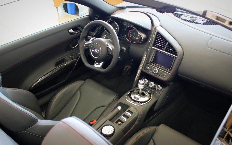 2014 Audi R8 Interior
