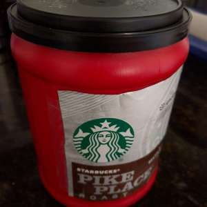 "Starbucks' ""Offensive"" Holiday Coffee Cups"