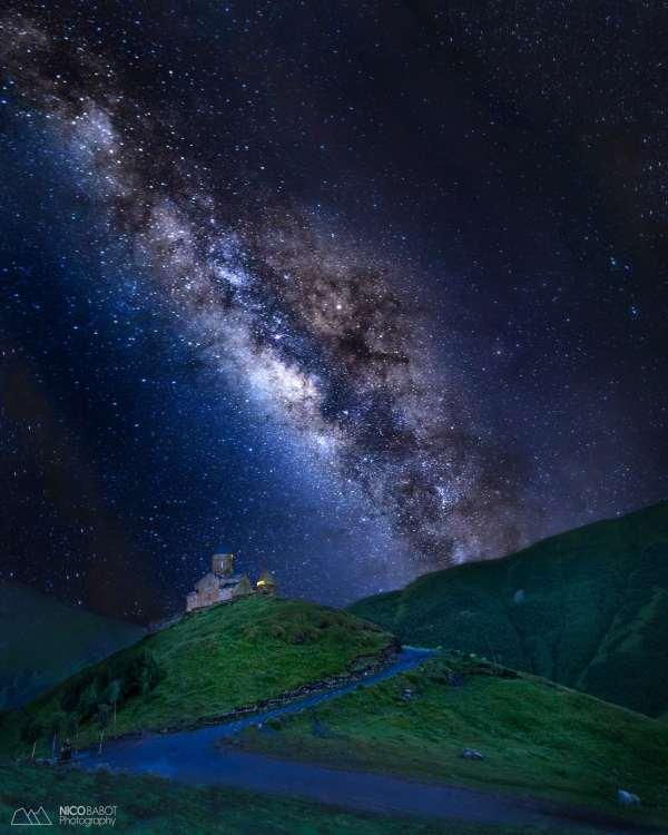 Milky Way rising behing the Trinity church - Photo by Nico Babot