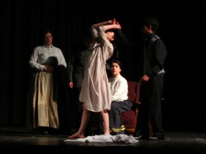 shakespeare-in-action-national-shakespeare-youth-festival-2012-acting-country-day-school-hamlet-2
