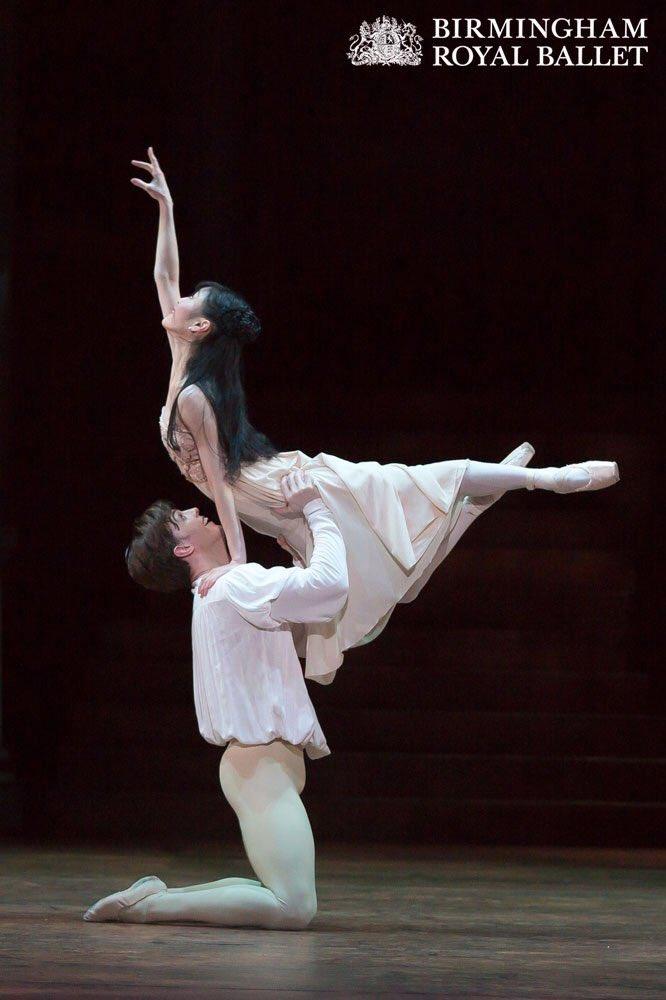 Joseph Kaley and Momoko Hirato, as Romeo and Juliet